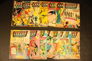 Justice League Of America    Lot Of 15 Comics - Primary